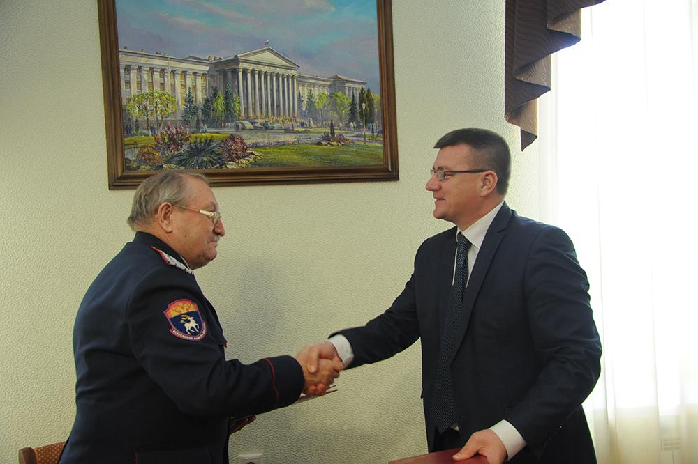 Министерство образования и науки области укрепляет сотрудничество с казаками
