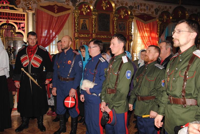 Казачий конвой доставил гуманитарный груз в Новороссию