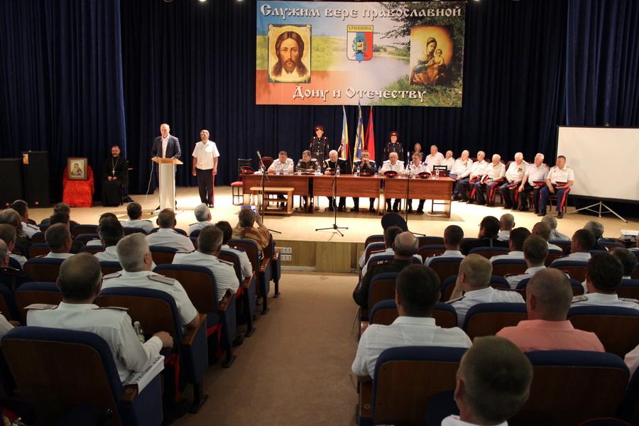 Сергей Горняков и Владимир Плотников поздравили с 25-летием «Хопёрский казачий округ»