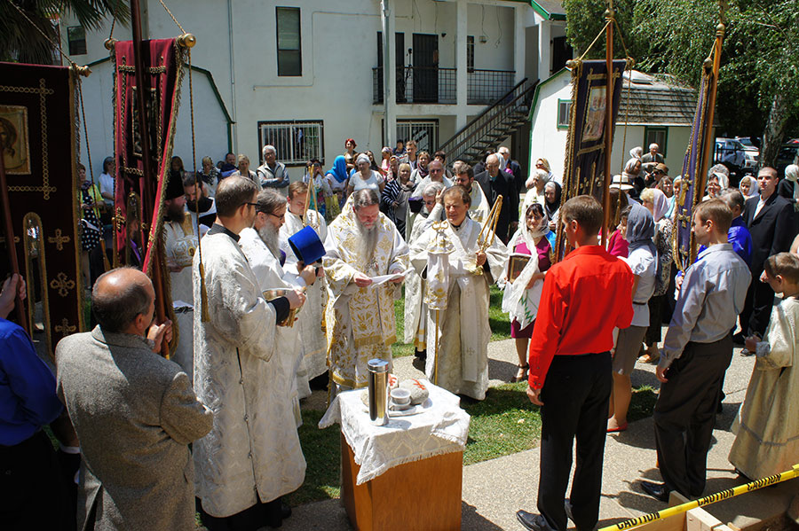 В Сакраменто заложили колокольню Свято-Вознесенского храма