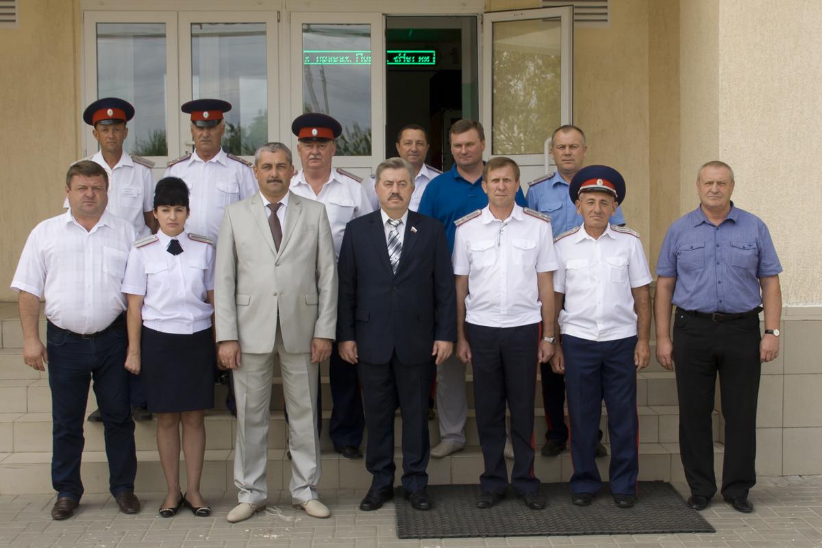 Верховный Атаман СКВРиЗ, казачий генерал Виктор Водолацкий посетил недавно открывшийся Орловский казачий кадетский корпус