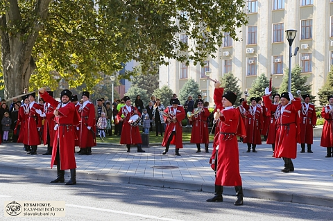 Взвод Почетного караула Кубанского казачьего войска отметил 10-летие