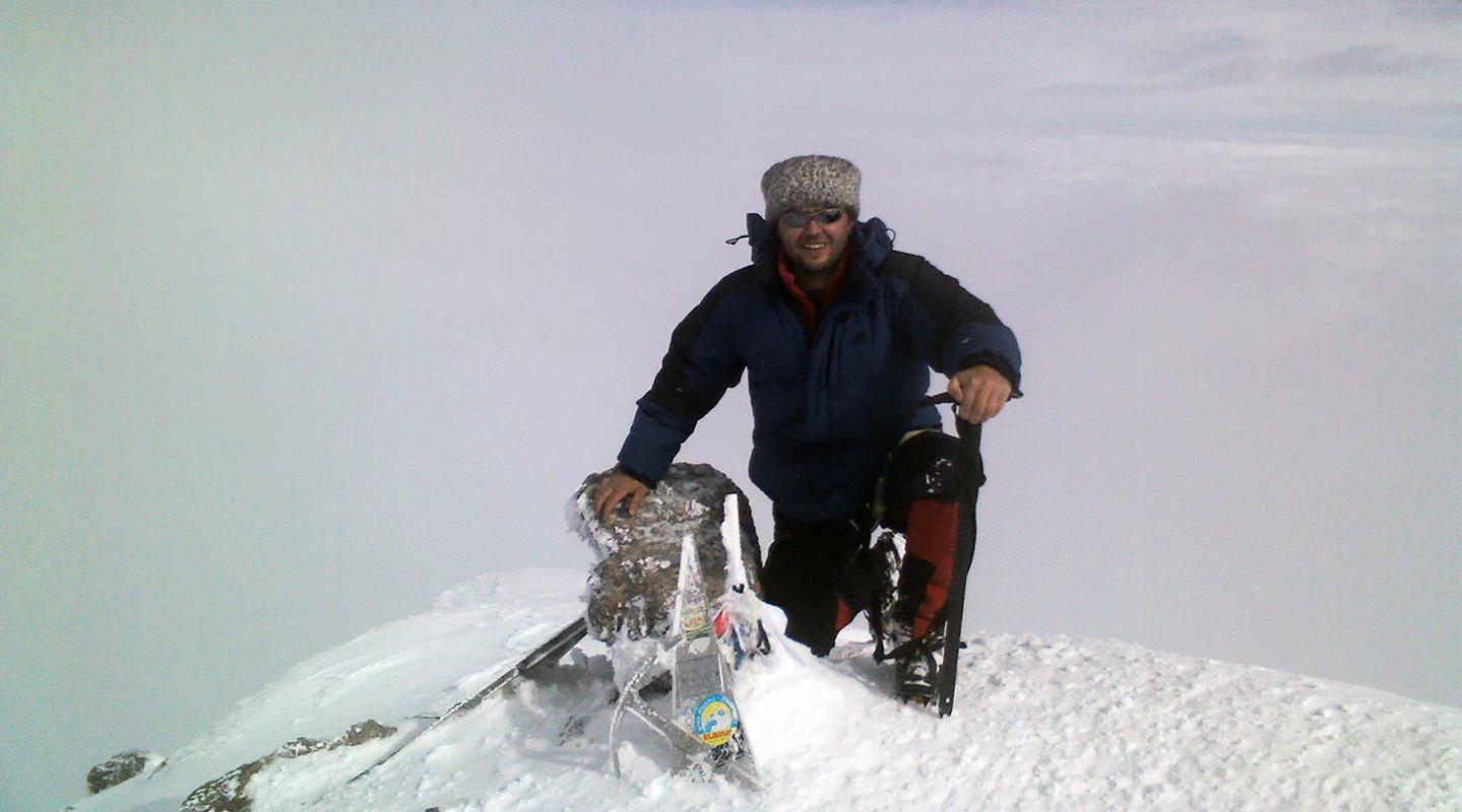 Казак покорил вершину Эльбруса