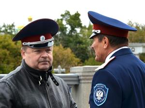 Атаман МОКО ЦКВ Л.Г.Макуров (слева) и атаман ЦКВ В.И.Налимов (справа)