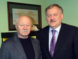 """Гендиректор ИА """"КАЗАК-ИНФОРМА"""" Владимир Безуглый (слева) с Константином Затулиным"""